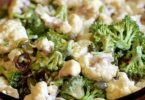 Brokkoli és karfiol saláta