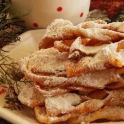 Chrusciki hagyományos lengyel desszert