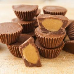 Mogyoróvajas csokoládé cukorkák