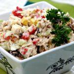 Saláta tonhallal és zellerrel