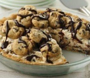 Torta fagylalttal és csokoládés keksszel